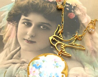 Aster, Antique BUTTON necklace, Edwardian flowers on porcelain & gold. One of a kind jewellery.