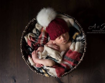 Knit Baby Hat/Baby Beanie/Christmas Baby Hat/Red Knit Baby Beanie/Baby White Pompom Hat/Newborn Holiday Hat/Chunky Knit Baby Hat