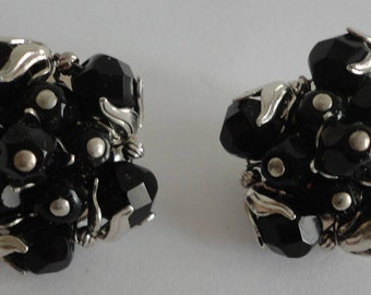 50s Round French Jet Beads Clip Earrings Classy Chic