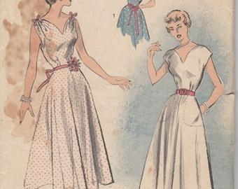 Bust 32-1940's-50's Misses' Dress Advance 5489 Sz 14