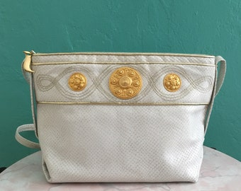 vintage 80's white leather medallion handbag // summer cross body bag