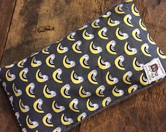 Magic bag , grey and yellow birds