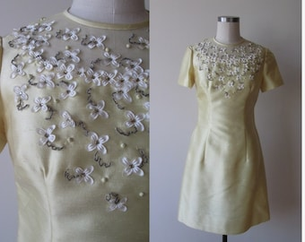 60's dress /shift dress pale yellow with rhinestones beads and flowers size 8