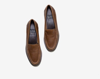 Vintage Leather Loafers 7.5 / Brown Leather Loafers / Leather Slip Ons / Penny Loafers / Brown Leather Flats