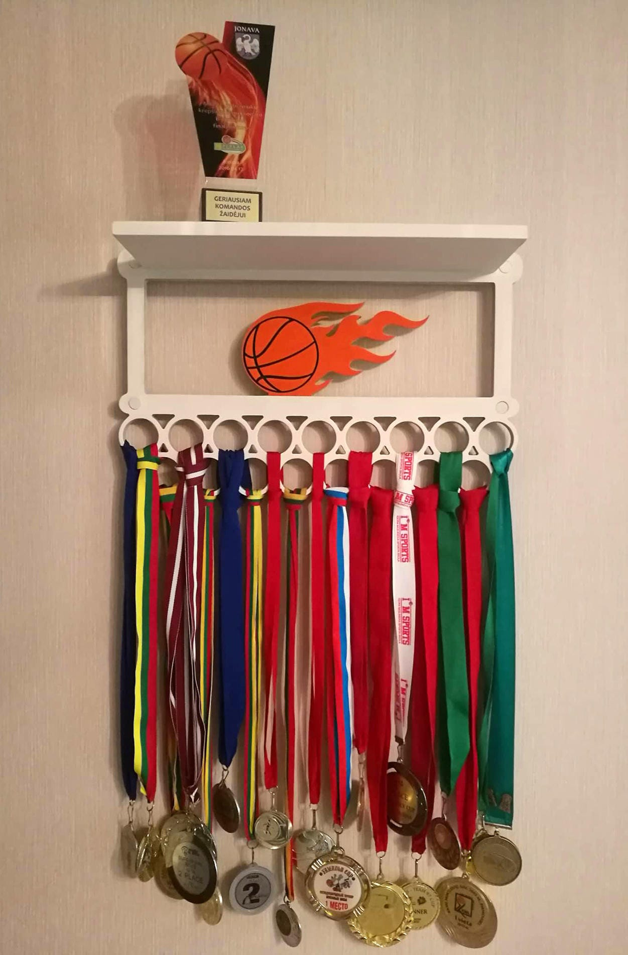 project running shelf woodworking display plans for medals rack award medal free