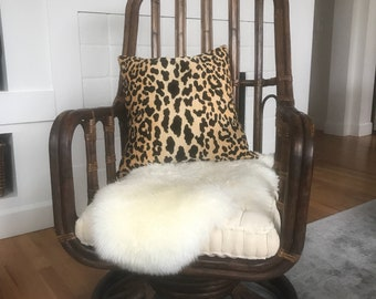 SOLD DO NOT Buy!!!!!             Vintage Rattan Swivel Chair
