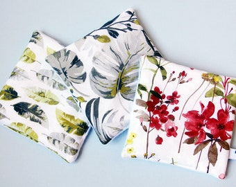 Set of 3 square cleansing eco-friendly, washable, reusable. New formula with 3 layers. Spring fields pattern