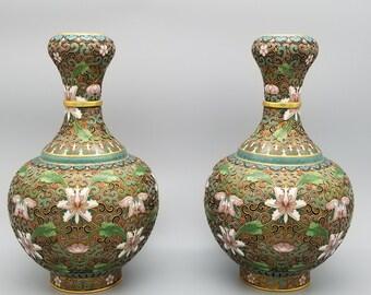"""8.5"""" Pair of Vintage Chinese Cloisonne Garlic Head Vases Lotus Flowers"""