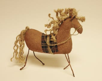Primitive Brown Horse, Barnyard Animals, Country Farmhouse Decor, Folk Art Horses
