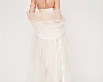 Cape Brilliant: In Ecru and groove. Festlisches Silk cape. 100% silk Olcay Krafft Fashion