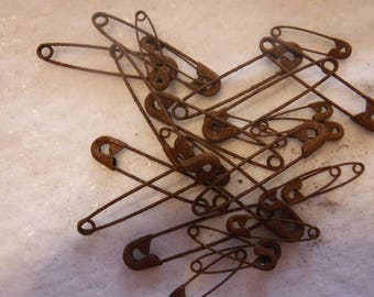 Lot of 25 Rusty Primitive Assorted Safety Pins