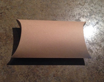 Kraft gift boxes, Cardboard pillow boxes: small- 12 pack