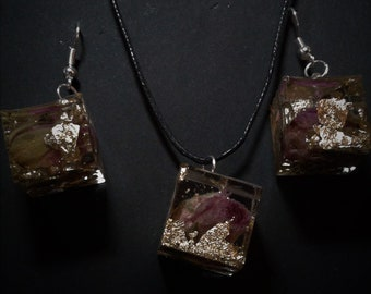 Pink and Gold In Resin Cubes Set