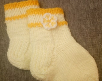 baby socks knitting