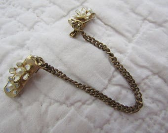 Vintage Sweater Clip / sweater guard flowers with pearls