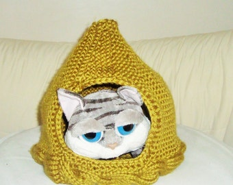 Knit Cat Bed Cat Cave Cat House in Olive Cat Lover Gift For Her, Birthdays Gift, Unique Pet Lover Gift for him for her