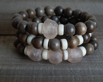 SALE Gray wood stretch bracelets with recycled glass, african glass beads, bracelet set, beach chic, neutral, summer fashion, pantone color