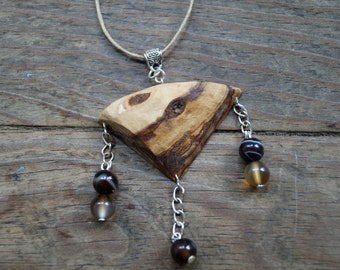 Voronwë - Handcrafted olive wood and Brown agate pendant