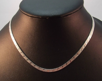 Pretty Sterling Silver Necklet