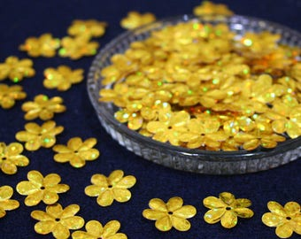 15 mm • Gold/Yellow Glitter Flower Sequins