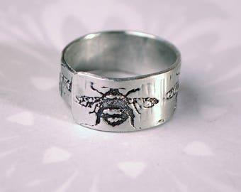 wrap around ring, bee ring, adjustable bee  ring, silver aluminium worker bee jewellery, bee jewellery, embossed adjustable ring