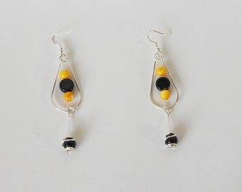 Buzzy - Handcrafted Wire Earrings