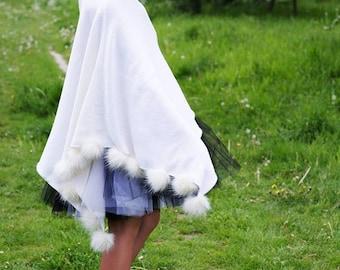 Wedding poncho, bridal poncho, cotton poncho, women's poncho, knit poncho, pom pom poncho, women's sweater, pompoms sweater, knit cape