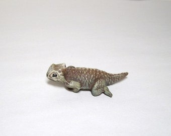 Toad, horned toad, miniature ceramic horned toad