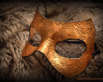 """Secret steam"" molded leather mask"