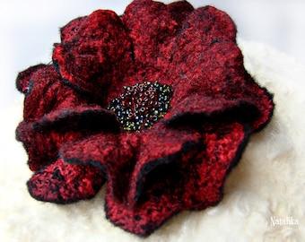 "Handmade felted pin ""Mirabella"""