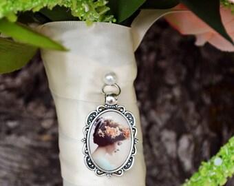 Bouquet Photo Charm Wedding Oval Antique Memory Frame Silver Brass Keepsake Shoes