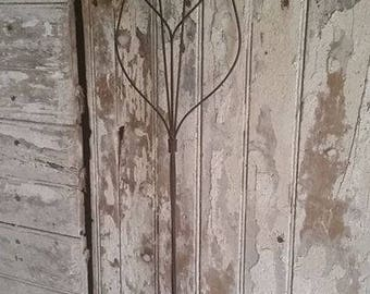 Vintage Wire Rug Beater with wooden handle