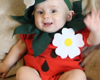 Etsy your place to buy and sell all things handmade baby diy strawberry do it yourself baby costume halloween costume strawberry costume solutioingenieria Gallery
