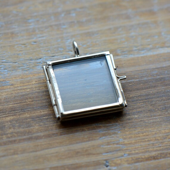 Silver glass frame pendant small square shape double sided glass silver glass frame pendant small square shape double sided glass hinged locket picture frame pendant charm jewelry pendant bd021 from ingredientsforlovely aloadofball Choice Image