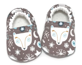 Polar Bear Baby Shoes, Soft Sole Baby Shoes, Brown Baby Booties, Baby shower gift, Bear Toddler Slippers, baby moccasins, vegan baby shoes