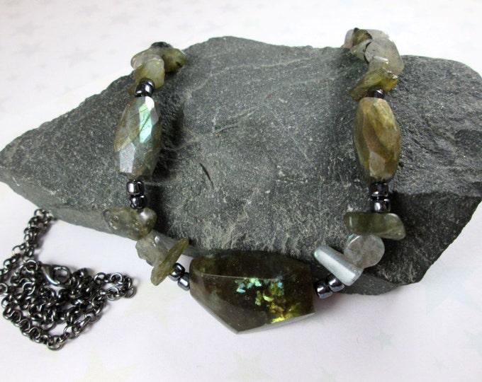 Labradorite Necklace - Faceted Stones