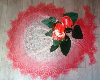 Openwork crescent shawl Syuyumbike Tsarina of Kazan