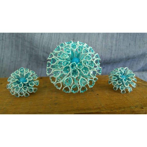 Extraordinary Powder Blue Aqua Metal, Enamel, Glass Puffy Hydrangea Flower Brooch Clip On Earrings 1960s Rare Space Age