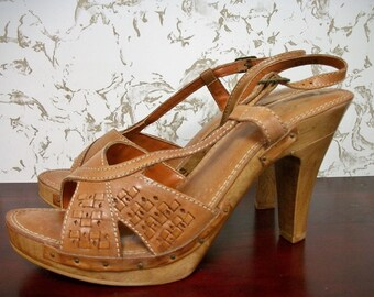 1970s Deadstock Platform Wood & Leather Heels . Vintage 70s NOS Boho Hippie Shoes Sandals . Size 10