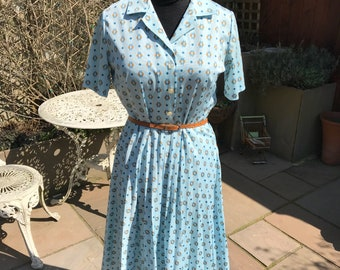 1970's does 1940's day dress
