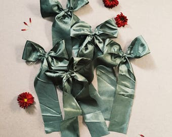 Raw edge long tail bow [ green silk ]