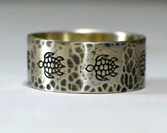 Rustic silver ring with sea turtles and hammered texture - solid 925 RG901