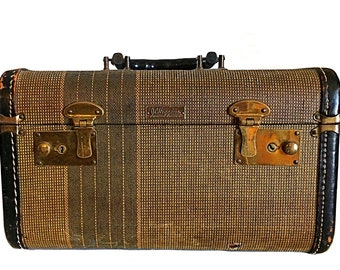 JC Higgins Luggage, Jc Higgins Train Case, Vintage Train case, Vintage Luggage, Higgins Suitcase, Vintage Suitcase, Plaid Train Case