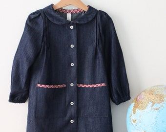 Back to school dress, smock dress pockets, preschool dress, kindergarten dress. Cotton chambray smock. Sustainable clothing, made in Italy