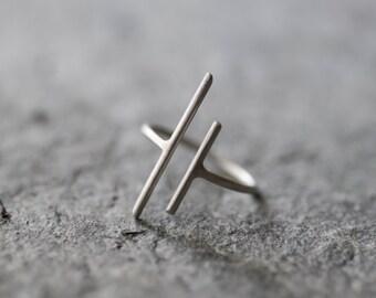 parallel bar ring, parallel ring, long silver bar ring, sterling silver ring, open ring, modern minimalist ring, geometric ring