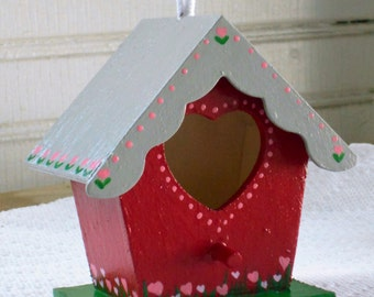 Red Love Shack Birdhouse