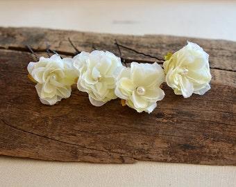 Ivory flower hair clip, wedding hair clip, bridal hair clip, Ivory flowers Wedding clip, wedding hair accessories, Bridesmaid Hair