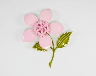 Pink Enamel Flower Brooch, Olivine Green Leaves, Flower Power Pin, Large 1960s 1970s Daisy Flower, Vintage Daisies Flowers