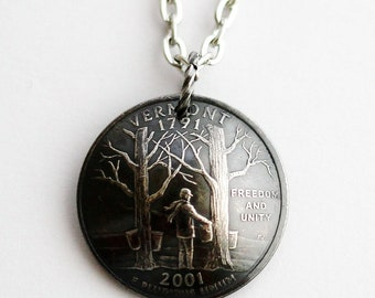 Domed Coin Necklace, Vermont State Quarter Pendant, U.S. Quarter Dollar, 2001, Freedom and Unity Jewelry by Hendywood
