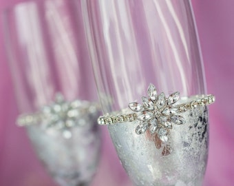 Snowflake Champagne Flutes Winter Wedding Toasting Glasses, Silver, Personalized, Bride and Groom, Christmas Glasses, 2pcs /G1/7/13-0002